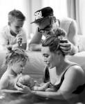 Banks Violet & Hilary Duff su Mae James Bair, Luca, Matthew Koma