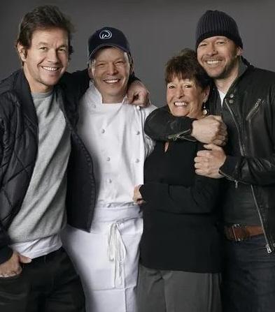 Mark, Paul, Alma & Donnie Wahlberg