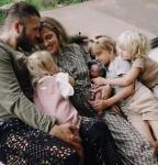 Mark Webber & Teresa Palmer su vaikais